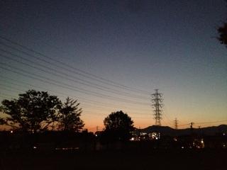 夕焼けで癒やされる秋の空