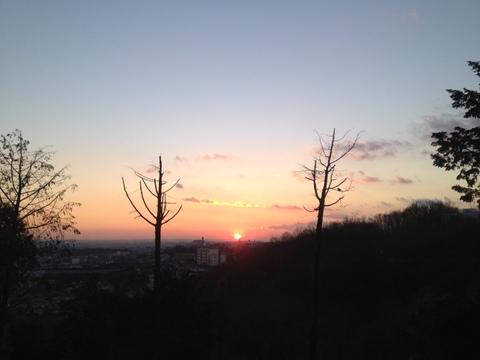 早朝ランニングと朝日