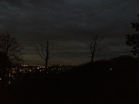 外は真っ暗でも走れます!