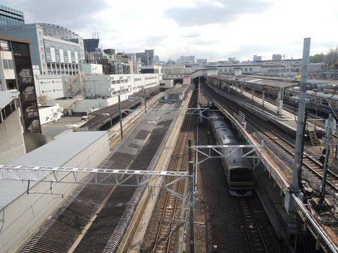 上野駅は北への玄関口-思いを乗せて頑張れ!新生活-
