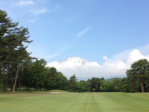 ゴルフ場から見える富士山は雄大!