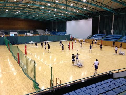 東海大学バレーボール部の練習風景