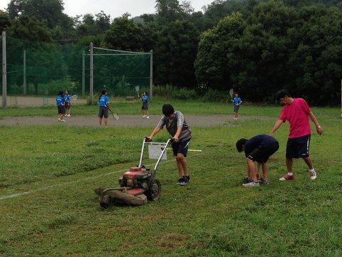 中学生による草刈り