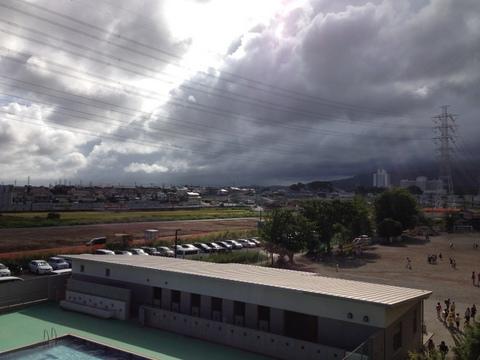 大雨をもたらす雲
