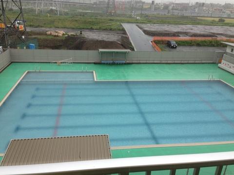 プールも満水になってしまった!