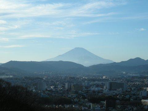 弘法山麓から見える富士