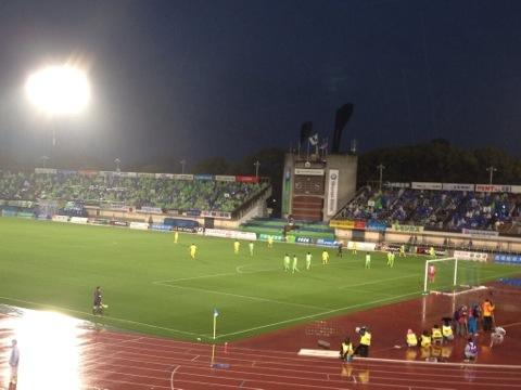 冷たい雨とJ2ベルマーレ開幕戦