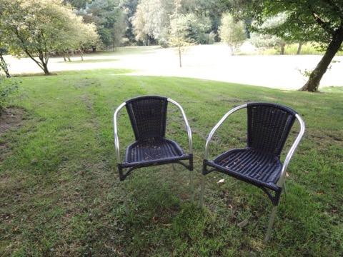 一緒に椅子を並べて考える重要性