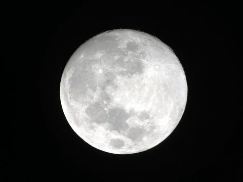 月の観察会と夜の学校