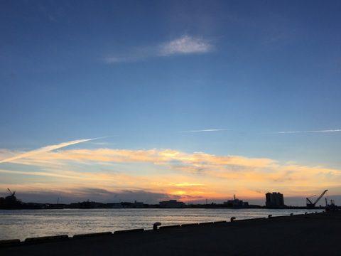 新潟港にて