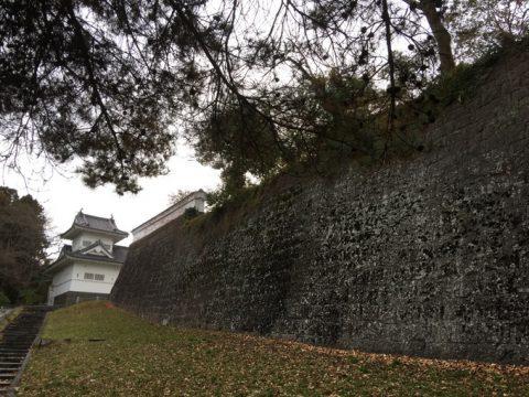 歴史を感じる仙台城大手門