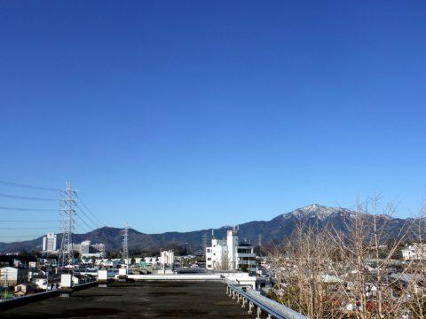 屋上から大山を望む