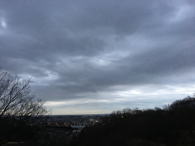 曇り空の朝ラン