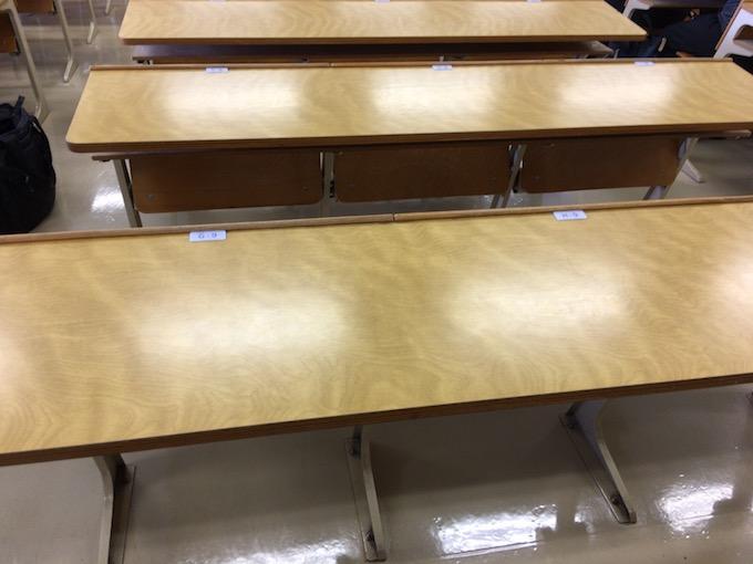 大学の教室は相変わらずの光景