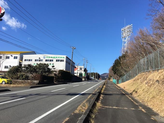 岩波駅からひたすら歩く