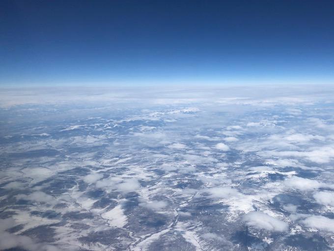 ロシア上空を西へ