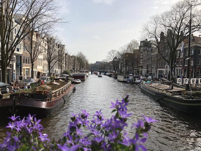 アムステルダムを歩き回る