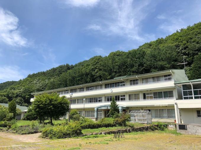 佐久穂町イエナプランスクール(旧佐久東小学校)