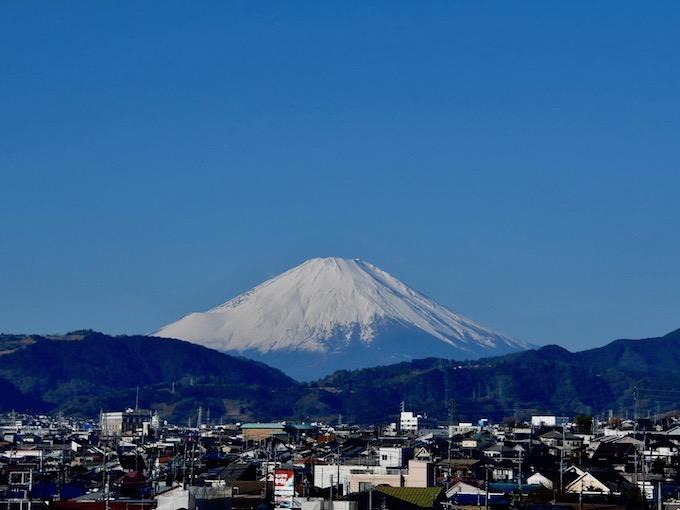 秦野から見る正月の富士