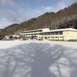 朝は雪となった大日向にて