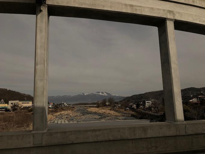 浅間山も雪が少なめ