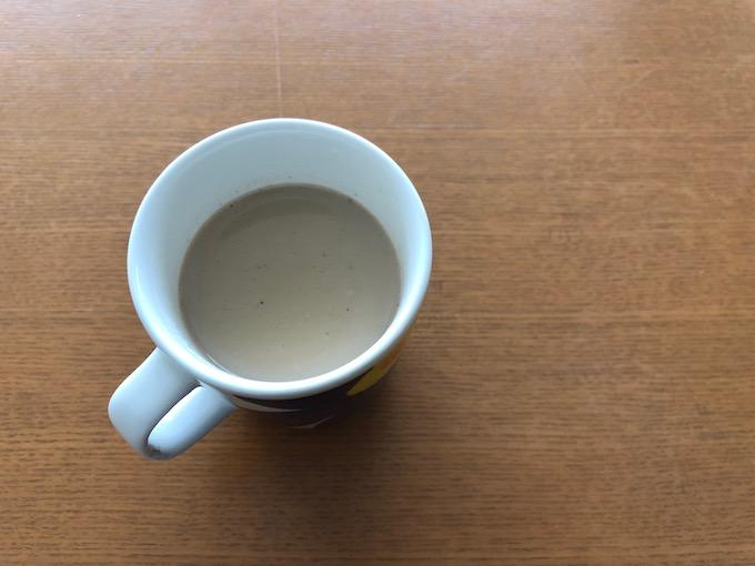 カフェで語り合うように