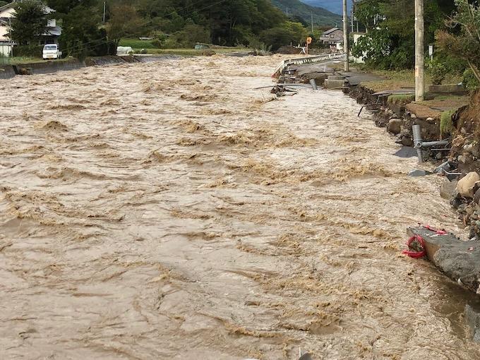台風19号佐久穂町大日向の様子2