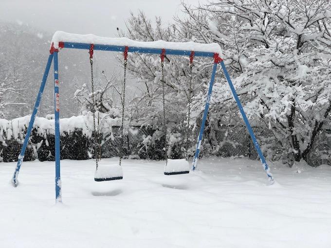 雪はこんなにも美しいのになあ