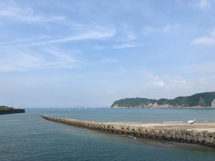渚橋から江ノ島方面を望む